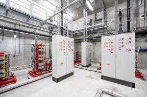 Pressefoto, DC Tower Sprinklerzentrale mit Hochdruckpumpen und Schaltschränken © Robert Tober