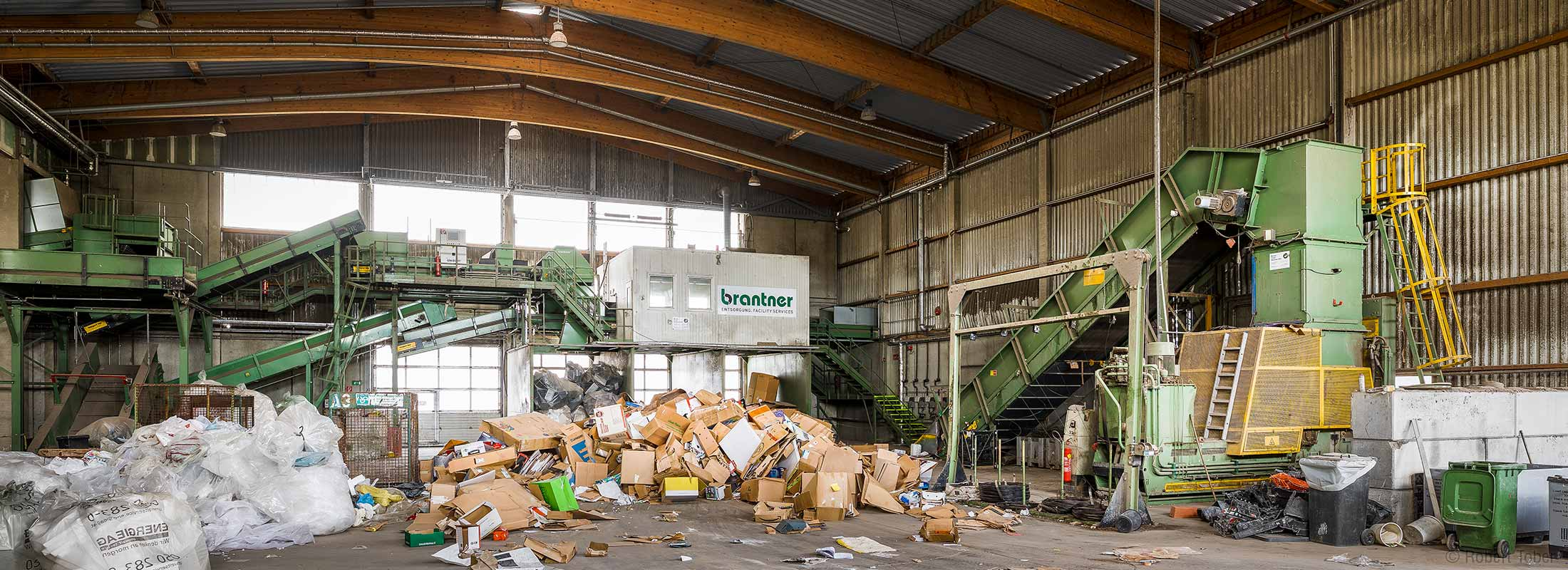 Altpapierverwertung. NUA Abfallwirtschaft Brantner- Hohenruppersdorf © Robert Tober