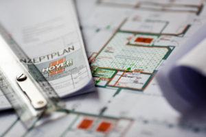 Pressefoto, Brandschutz-Konzeptplan mit Lineal © Robert Tober