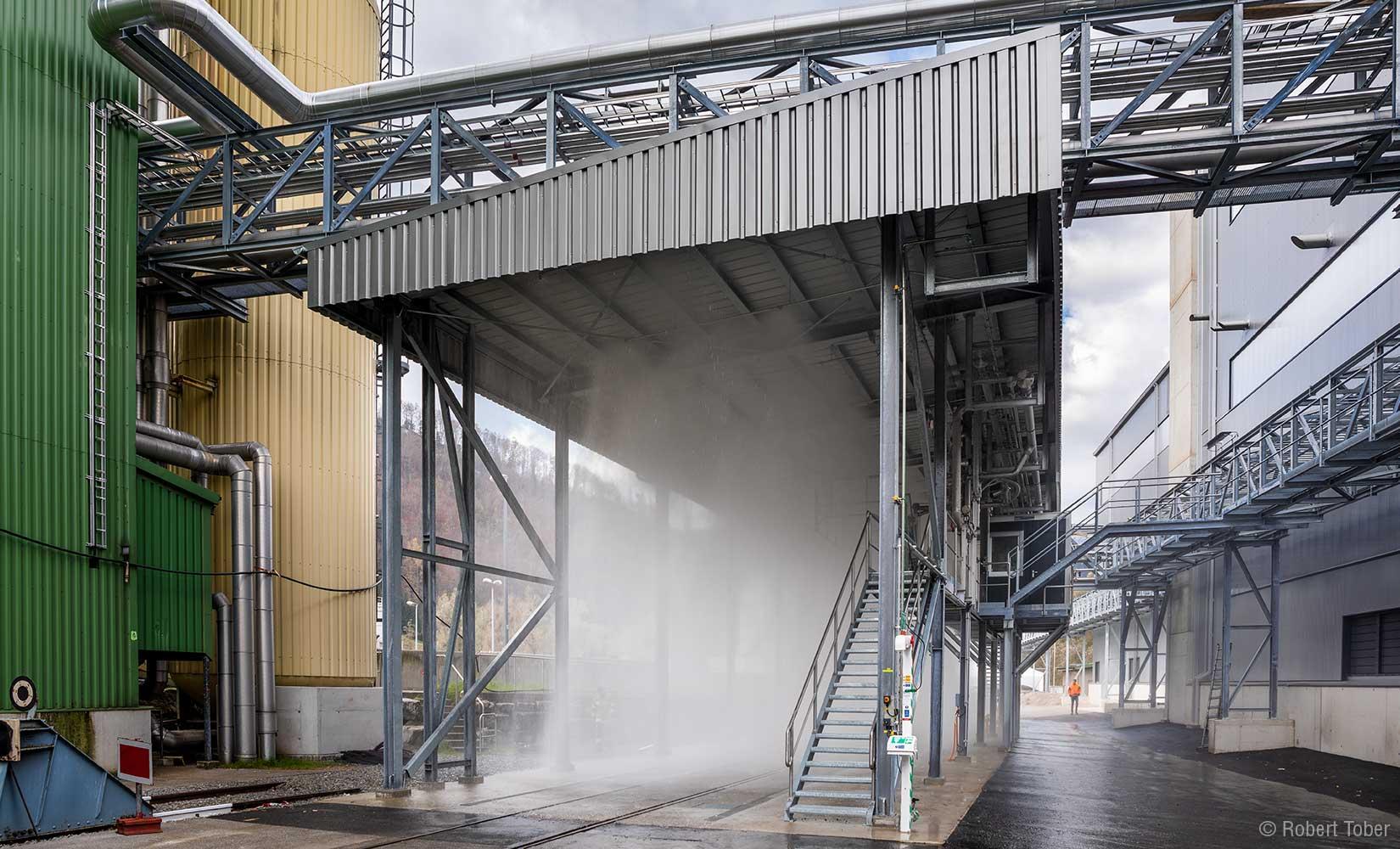 Bio-Ethanol-Anlage AustroCel Hallein. Verladestation mit Sprühflutanlage. © Robert Tober Photography · www.toro.cc